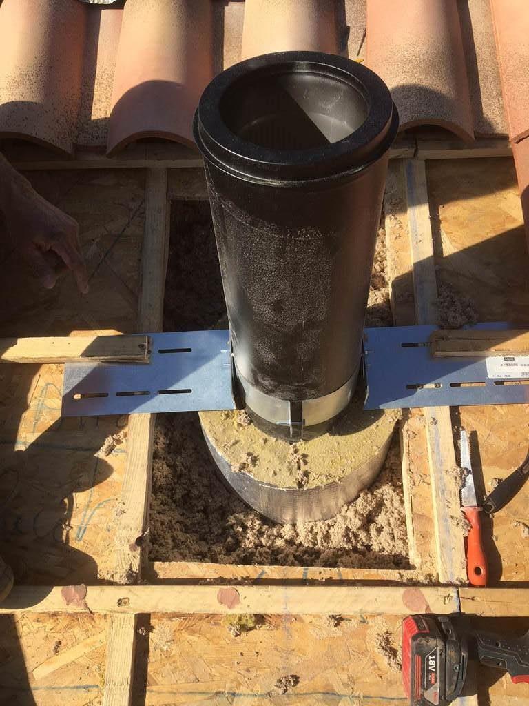 réalisation d'un conduit de cheminée isolé pour poêle à bois